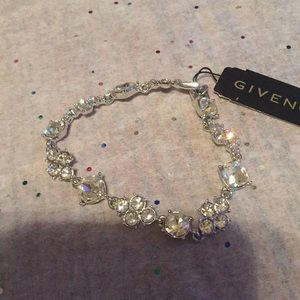 Brand new Silver Bracelet with clear stones